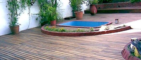 Decks de piscinas la web de los exteriores para piscinas for Piscinas muy pequenas