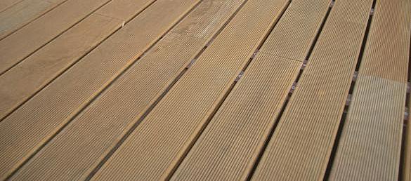 La madera cumaru la web de los exteriores para piscinas - Maderas sinteticas para exteriores ...