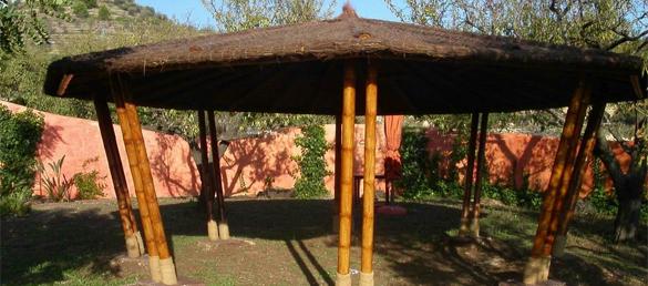 P rgolas de bamb limpiafondos para piscinas limpiafondos para piscinas - Pergolas de bambu ...