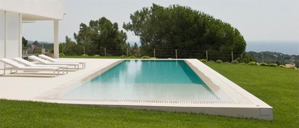 Piezas de gran formato para el exterior de nuestra piscina for Piscinas exteriores