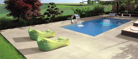 Suelos para alrededor de piscinas materiales de - Suelos de exterior antideslizantes ...