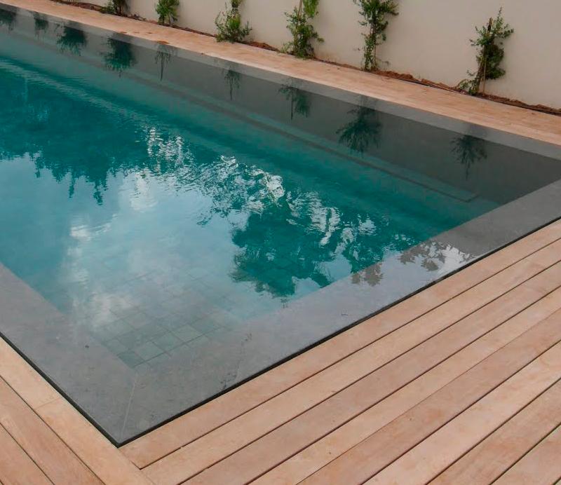 Tipos de suelos m s utilizados en el entorno de la piscina - Suelos piscinas exteriores ...